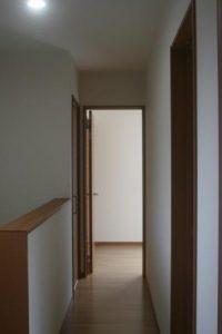 高知市神田のK様邸、サンブランドハウスの新築完成写真です。廊下になります。