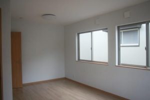 高知市針木K様邸の2階の部屋の完成写真です。