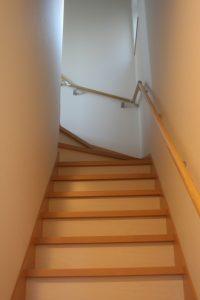 高知県香美市W様新築完成写真の階段です。