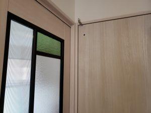岡山市南区福富西の森本様邸新築写真の一階ドアを撮影したものです。