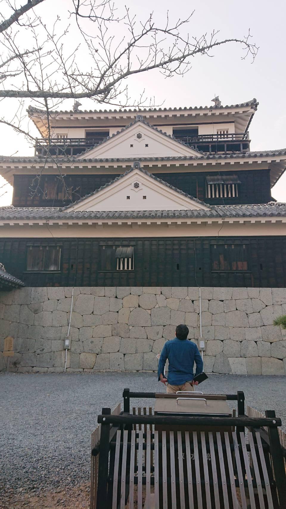 岡山店の森本が見に行った松山城の写真です。