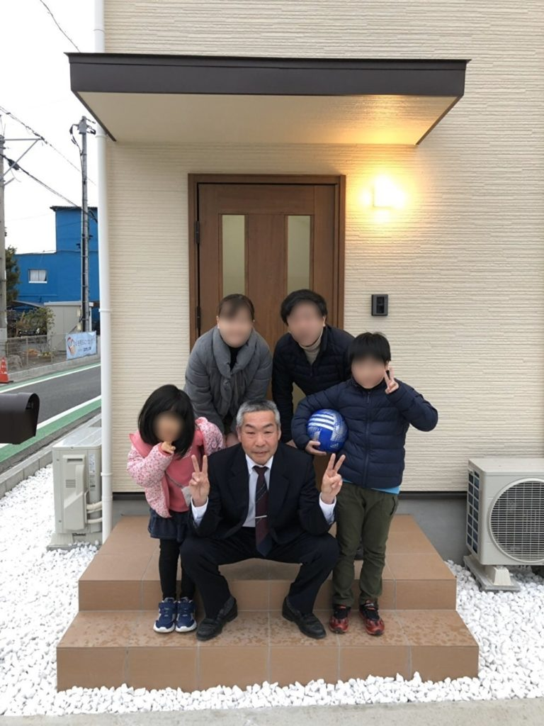 倉敷市新築のN様邸の集合写真です。